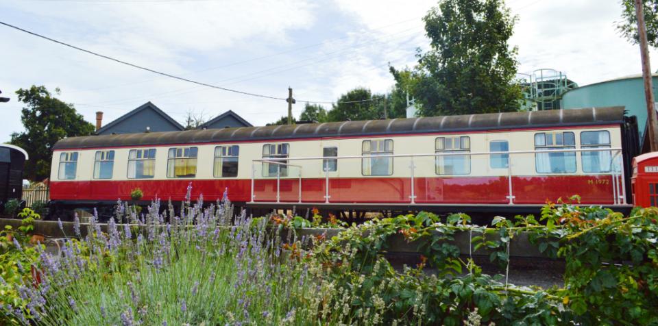 carriage-1-railway-retreats-2